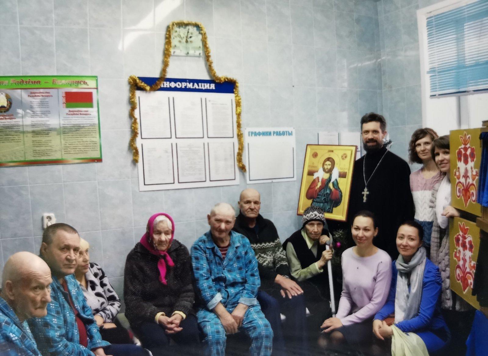 Посещение дома престарелых (архивное фото, январь 2020)